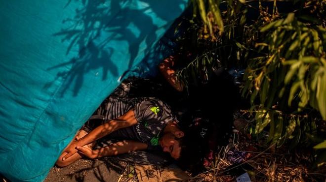 Cháy trại tị nạn ở Hy Lạp: Nỗi lo bùng phát đại dịch Covid 19 trong 13.000 người ảnh 7