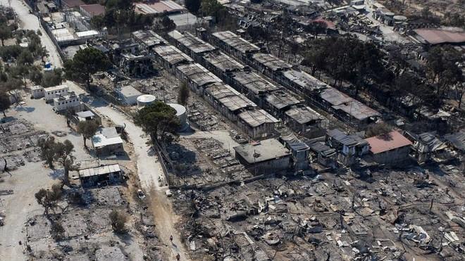 Cháy trại tị nạn ở Hy Lạp: Nỗi lo bùng phát đại dịch Covid 19 trong 13.000 người ảnh 1