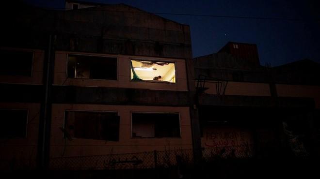 Cháy trại tị nạn ở Hy Lạp: Nỗi lo bùng phát đại dịch Covid 19 trong 13.000 người ảnh 11