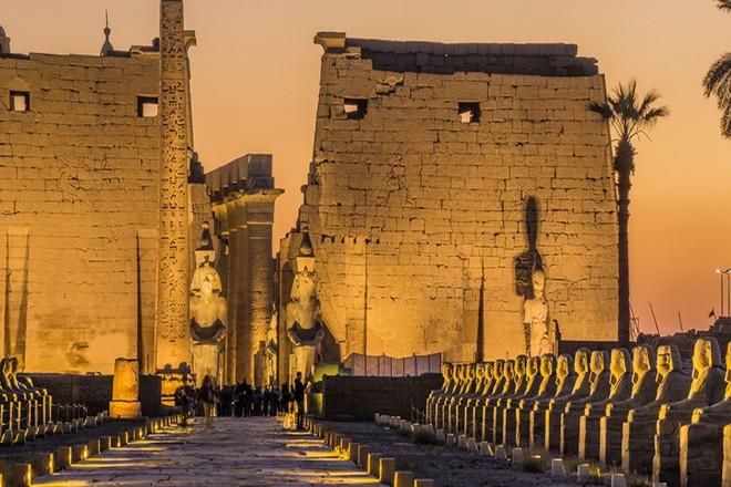 Khám phá vẻ đẹp huy hoàng của các kỳ quan Ai Cập cổ đại ảnh 14