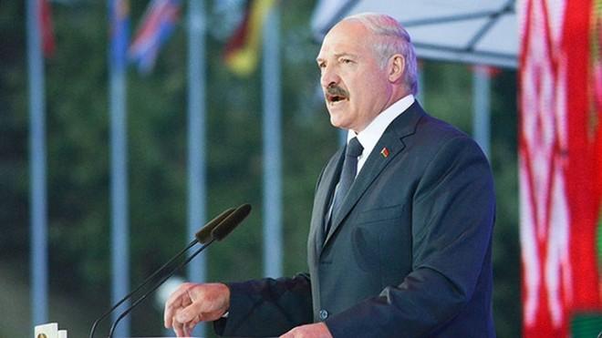 Thụy Sĩ đóng băng tài sản của Tổng thống Belarus, Alexander Lukashenko ảnh 2