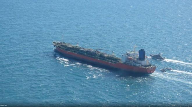 Tàu chở hóa chất của Hàn Quốc bị Iran bắt giữ ảnh 1