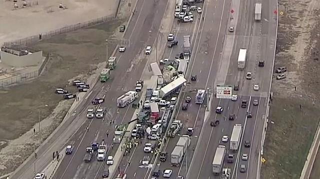 [Tin nhanh tối 12-2-2021] Hơn 100 xe ô tô đâm liên hoàn tại Mỹ, đường cao tốc bị tê liệt ảnh 6