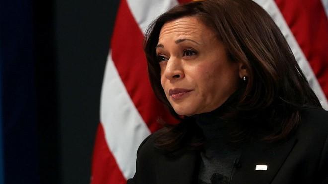Phó Tổng thống Mỹ kêu gọi người da màu tiêm vắc-xin ngừa Covid-19 ảnh 2