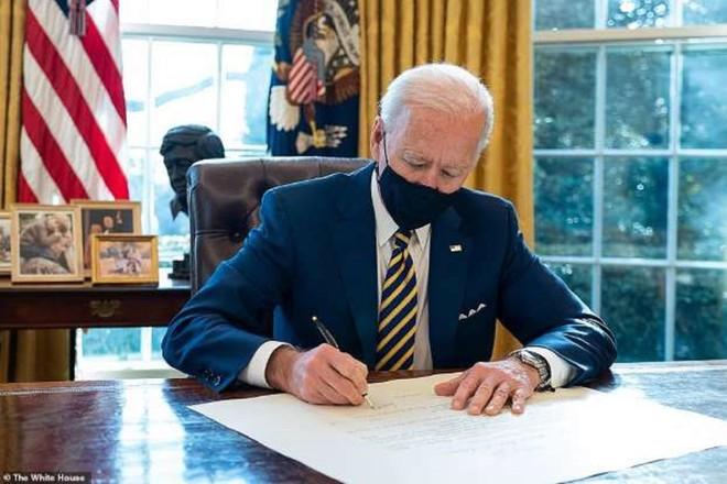 Hạ viện Mỹ phê duyệt gói cứu trợ Covid-19 trị giá 1.900 tỷ USD của ông Biden ảnh 1