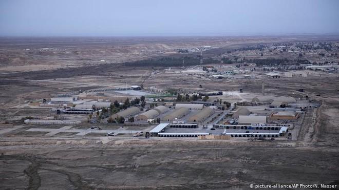 """Căn cứ không quân của Mỹ ở Iraq hứng """"mưa"""" tên lửa ảnh 1"""