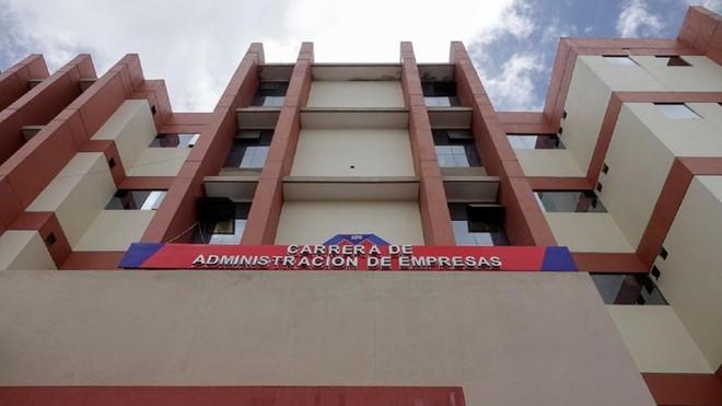 Bảy sinh viên tử vong khi ngã từ tầng 4 của trường đại học ảnh 1