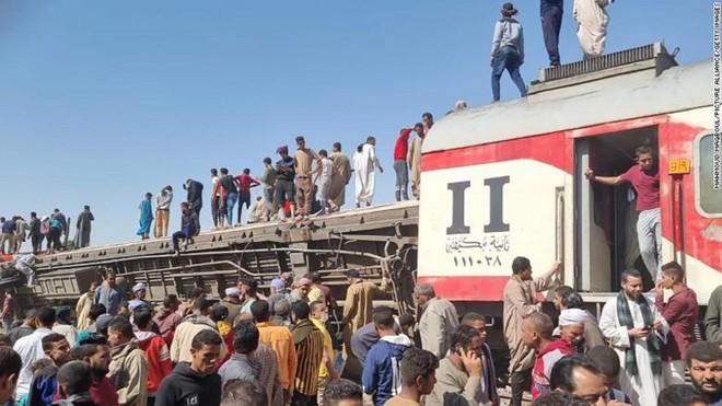 Hơn 30 người thiệt mạng trong tai nạn tàu hỏa kinh hoàng ở Ai Cập ảnh 1