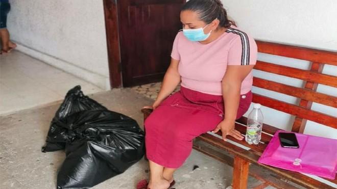 Mexico: Gia đình chết lặng nhận hài cốt con trai trong… túi bóng đen ảnh 1