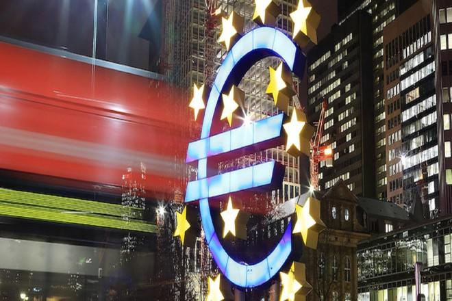 """[ẢNH] Nhà kinh tế học Robert Mundel, """"cha đẻ của đồng Euro"""" qua đời ở tuổi 88 ảnh 4"""