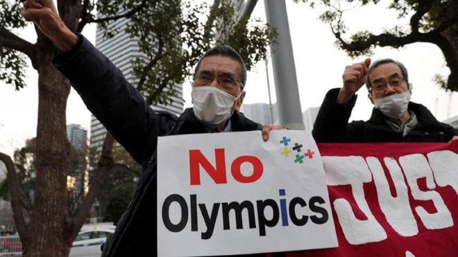 Người dân Nhật Bản muốn huỷ bỏ hoặc tạm hoãn việc tổ chức Olympic Tokyo 2021 ảnh 1