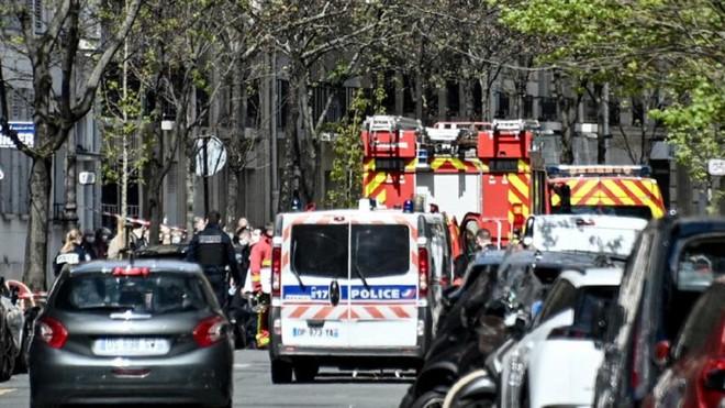 Hai người thương vong trong vụ xả súng tại bệnh viện ở Paris ảnh 2