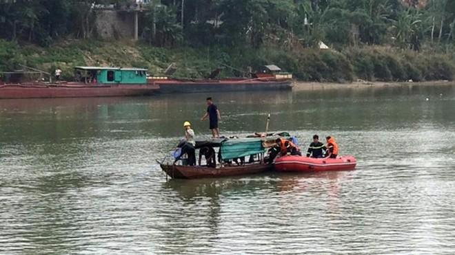 [Tin nhanh tối 16-4-2021] Nữ sinh lớp 10 gieo mình xuống sông Lam tự vẫn ảnh 1
