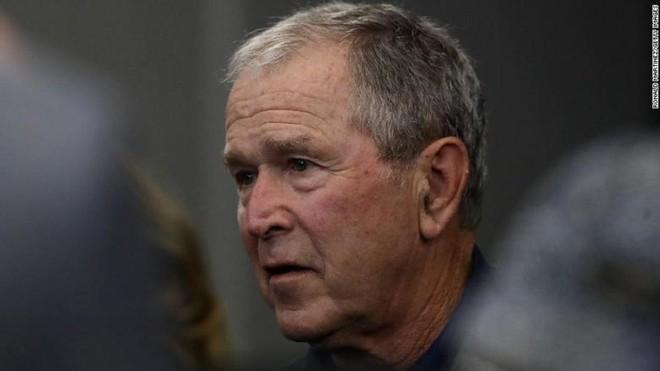 """Cựu Tổng thống George Bush kêu gọi Quốc hội """"tôn trọng"""" người nhập cư hơn ảnh 1"""