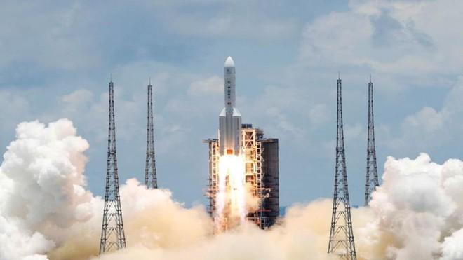 Tàu vũ trụ Trung Quốc hạ cánh thành công trên bề mặt sao Hỏa ảnh 1