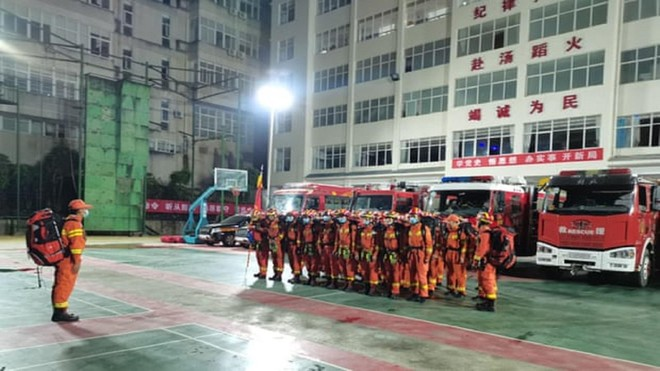 Động đất liên tiếp rung chuyển vùng tây nam Trung Quốc khiến nhiều người thương vong ảnh 2