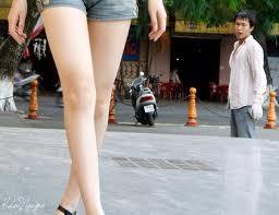 Chân dài muốn thoát khỏi kiếp nhân tình của đại gia ảnh 1