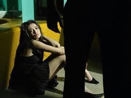 Sự cay đắng của người đàn bà bị chồng trí thức trả thù tình thâm độc ảnh 1