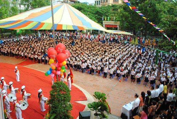 Trường Tiểu học Đền Lừ nhận Huân chương Lao động hạng Ba ảnh 1