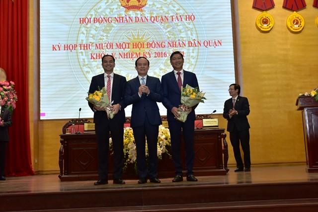 Hà Nội: Phê chuẩn kết quả bầu Chủ tịch UBND ba quận nội thành ảnh 1