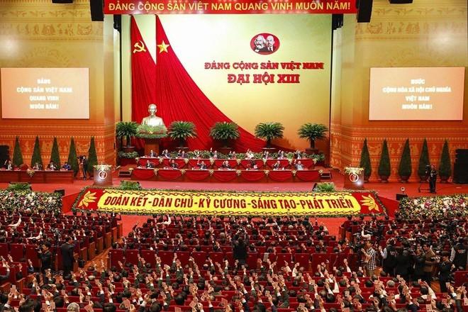Ngày làm việc thứ tư Đại hội Đảng: Nghe báo cáo công tác nhân sự khóa XIII ảnh 1
