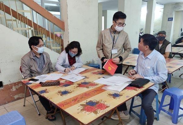"""Hà Nội: Kết thúc thời hạn nộp hồ sơ xóa nợ sổ đỏ """"chạy"""" giá đất tăng chóng mặt ảnh 1"""