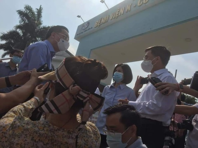 Nóng: Tạm thời phong tỏa Bệnh viện K do có ca nghi nhiễm SARS-CoV-2, Chủ tịch Hà Nội tới chỉ đạo chống dịch ảnh 2