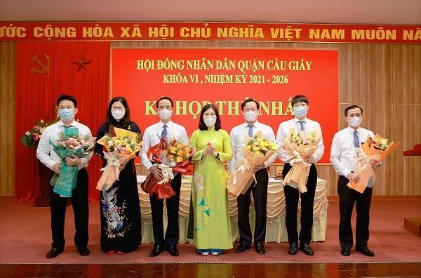 Hà Nội: Phê chuẩn Chủ tịch, Phó Chủ tịch Cầu Giấy, Tây Hồ, Nam Từ Liêm, Đông Anh, Hoài Đức… ảnh 1