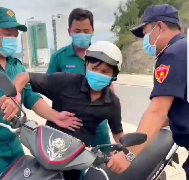 """""""Bánh mỳ không phải lương thực"""": Phó Chủ tịch phường ứng xử sai gây bức xúc, sẽ được xử lý nghiêm ảnh 1"""