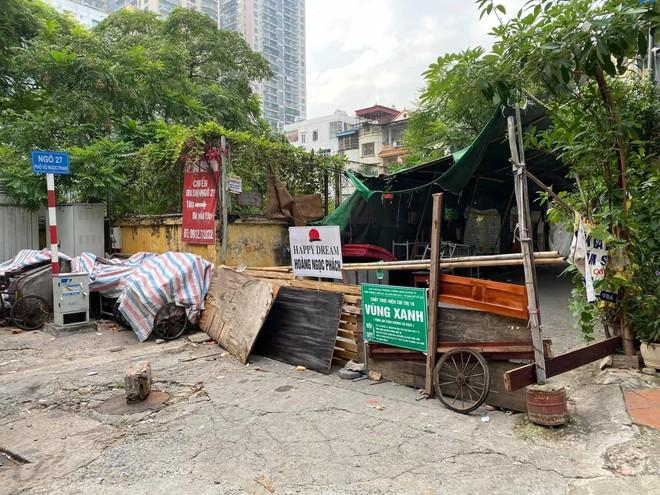 """Rào chắn chốt """"vùng xanh"""" ở Hà Nội: Nơi dỡ khẩn trương, nơi bảo phải """"duy trì"""" ảnh 3"""