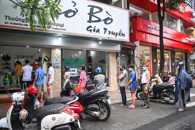 Hà Nội: Từ 14/10, nhà hàng được bán tại chỗ, xe buýt, taxi được hoạt động; quán bia vẫn đóng cửa ảnh 1