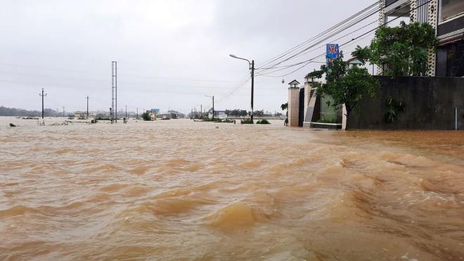 Tung tin đồn thất thiệt về bão lũ miền Trung có thể bị phạt tù tới 7 năm ảnh 1