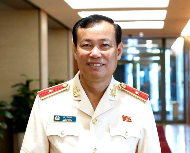 Thứ trưởng Bộ Công an Lê Tấn Tới được bầu làm Chủ nhiệm Ủy ban Quốc phòng và An ninh của Quốc hội ảnh 1