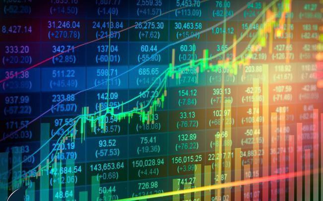 Hàng loạt rủi ro từ những cổ phiếu vi phạm công bố thông tin ảnh 1