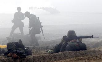 Lính Hàn Quốc bắn nhầm vào máy bay thương mại