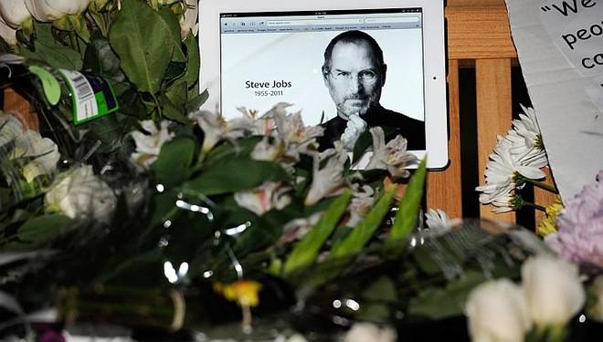 Thế giới bàng hoàng khi Steve Jobs qua đời