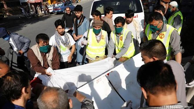 Phó Tổng thống Afghanistan thoát chết trong vụ đánh bom ở Kabul ảnh 1