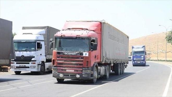 49 xe tải chở hàng viện trợ nhân đạo của Liên hợp quốc đến Idlib ảnh 1