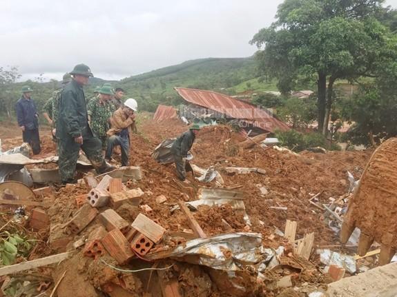 Vụ sạt lở tại Quảng Trị: 5 người được cứu sống, đã tìm thấy 14/22 thi thể bị vùi lấp ảnh 5