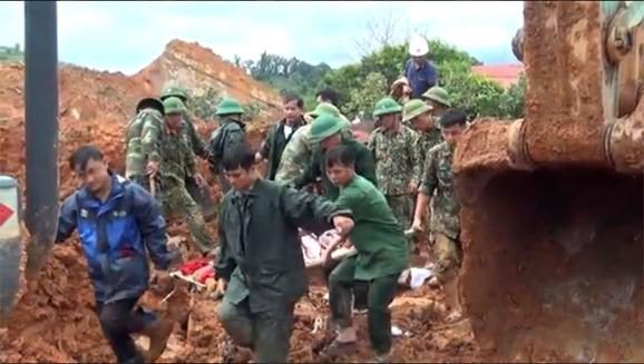 Vụ sạt lở tại Quảng Trị: 5 người được cứu sống, đã tìm thấy 14/22 thi thể bị vùi lấp ảnh 3