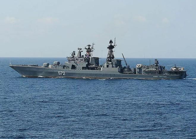 Chiến hạm Mỹ xâm phạm hải giới, tàu khu trục Nga lập tức phát cảnh báo cứng rắn ảnh 1