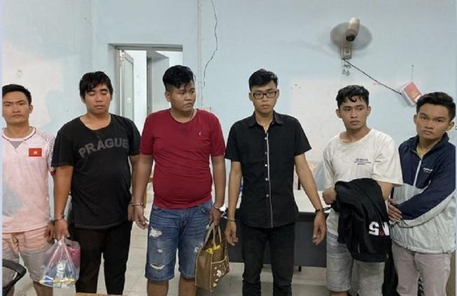 [Tin nhanh sáng 3-12-2020] Giả Cảnh sát Hình sự để cướp tài sản ảnh 2