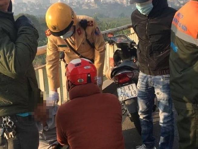 [Tin nhanh tối 2-1-2021] Nghệ An: Đứt thang cuốn khiến 11 công nhân thương vong ảnh 2