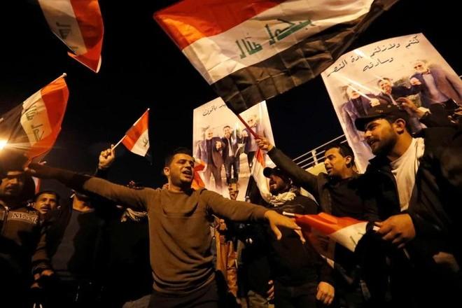 Hàng nghìn người tuần hành ở Baghdad tưởng niệm tướng Soleimani ảnh 2