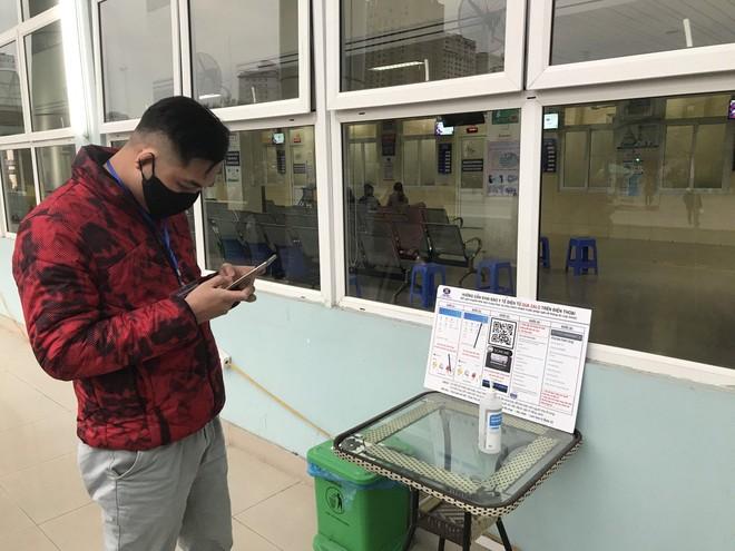 Tiết kiệm thời gian tại bệnh viện những ngày rét đậm nhờ quét mã Zalo QR ảnh 1
