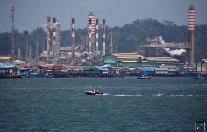 Indonesia bắt giữ tàu của Iran, Panama vì buôn lậu dầu ảnh 1