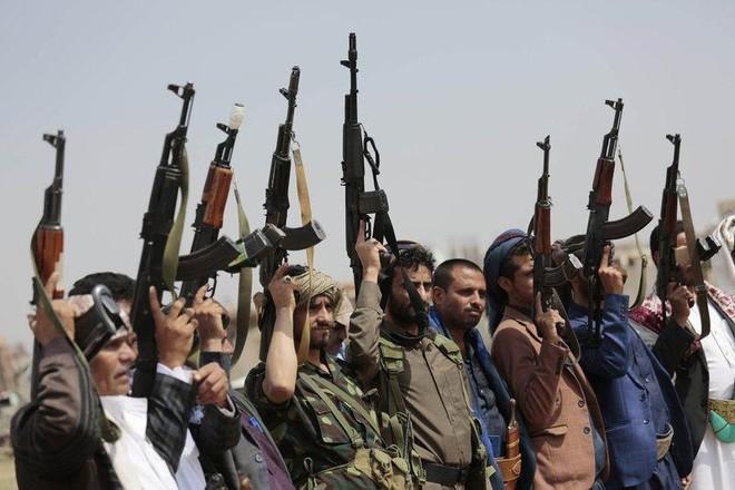 Cơ sở dầu mỏ ở miền Nam Saudi Arabia bị tấn công bằng bom ảnh 1
