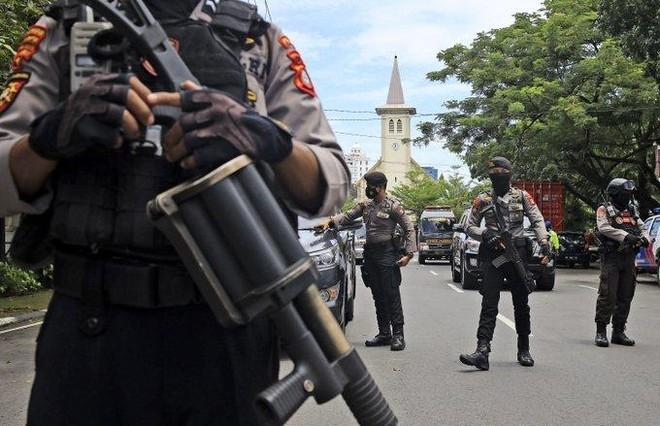 Đánh bom liều chết tại nhà thờ Công giáo ở Indonesia ảnh 1