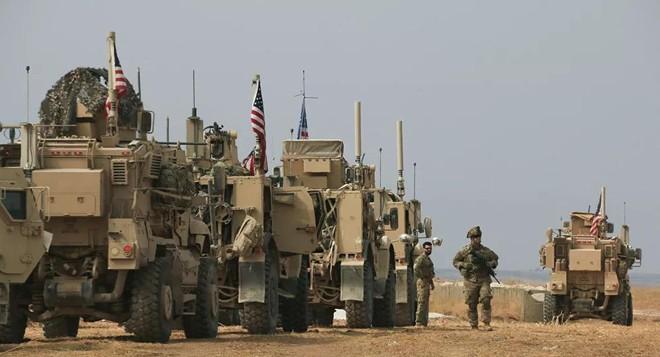 Mỹ vận chuyển vũ khí, đồ hậu cần cho căn cứ ở Bắc Syria ảnh 1