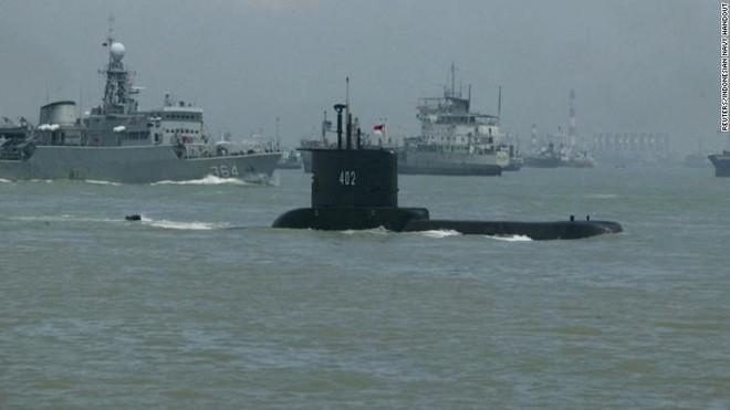 Tàu ngầm mất tích của Indonesia còn đủ ôxy đến ngày 24-4 ảnh 1